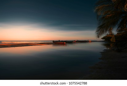 Sunrise scene at Jericoacoara beach, Brazil. Nascer do sol em Jericoacoara, Ceará, Brasil