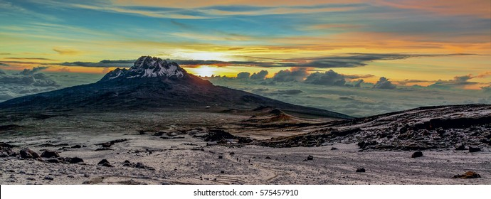 Sunrise from the slopes of Kilimanjaro (5.895 m) - Tanzania, East Africa