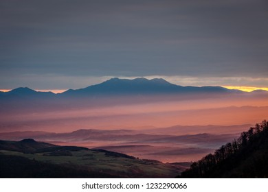 Sunrise in Tara Lapusului