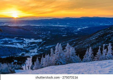 Sunrise from the top of Mt. Mansfield in the winter, Stowe, Vermont, USA.