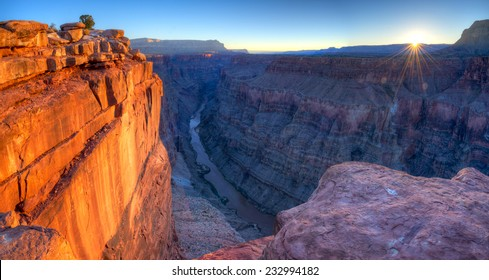 Sunrise at Toroweap Point, in Grand Canyon National Park.