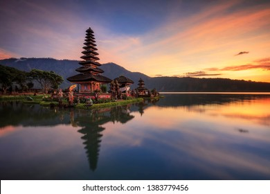 Sunrise in Ulun Danu Temple Bali