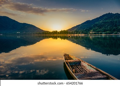 Sunrise view of a dal lake srinagar Jammu an Kashmir, india,