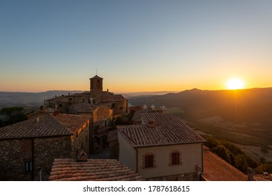 Sunrise view from the tower of Sassa (PI), Italy.