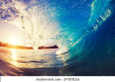 Sunrise Wave, Tropical Island Atoll, Nature Untouched Paradise