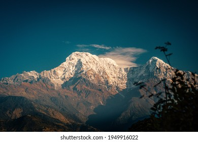 Sunset above Annapurna valley Himalayn mountain near Machapuchare Mardi Himal track in the Himalaya mountains
