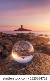 Sunset around the golden island with a Lensball