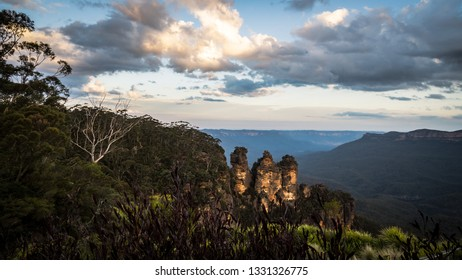 Sunset at the Blue Mountains in New South Wales, Australia.