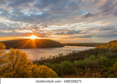 Sunset at breezyview overlook in Columbia Pennsylvania, overlooking the susquehanna river