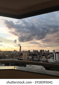 Sunset in the city of Uberaba, receiving the colors of the sky.