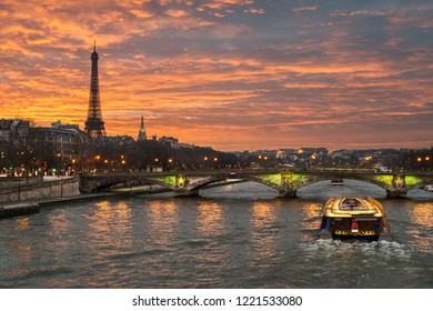 Sunset at the Eiffel tower, Paris
