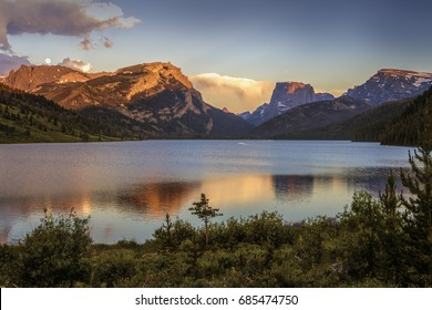 Sunset glow on Square Top and White Rock Mountains above the Green River Lakes, Bridger National Forest, Wyoming. Moonrise.