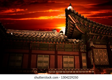 Sunset with a house traditional in Gyeongbokgung palace to Seoul, south Korea.