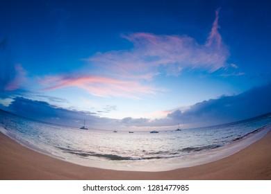Sunset from Kaanapali Beach, Maui, Hawaii, USA.