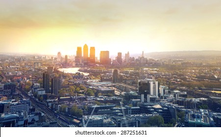 Sunset in London, Canary Wharf business district