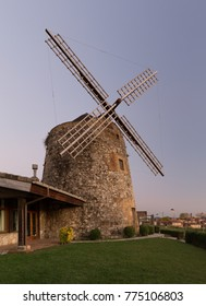 Sunset at the mill of Aixerrota, in Getxo