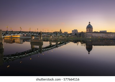 Sunset mood along the Garonne river at Toulouse in France