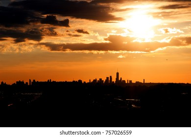 Sunset in NYC, Sillouette of Manhattan Skyline