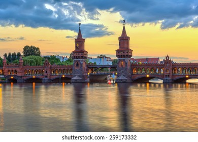 sunset at Oberbaum bridge and Berlin city skyline, Berlin, Germany