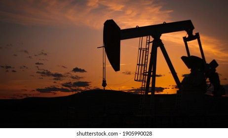 Sunset Oil Well Landscape Rig