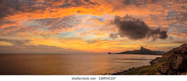Sunset on Con Lon island