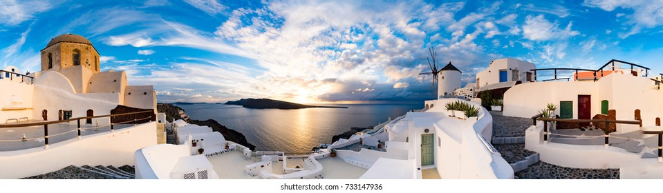 Sunset on Oia, Santorini. Greece