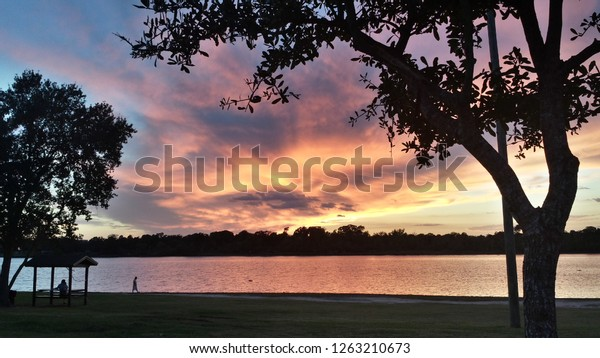 sunset-over-armand-bayou-clear-600w-1263