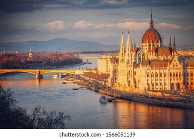 Sunset over the Danube and the Hungarian parliament building in Budapest, Hungary