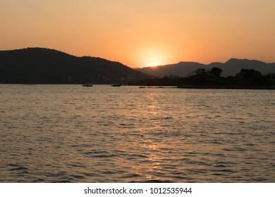 Sunset over Lake Pichola, Udaipur, Rajasthan