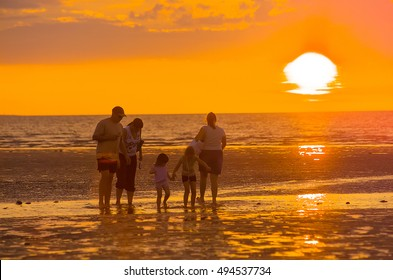 Sunset over Mindil Beach Darwin, Northern Territory, Australia