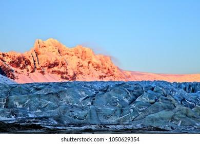 Sunset over Vatnajokull Glacier in Skaftafell NP, Iceland