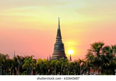 Sunset Pagoda, old Temple wat Wat Yai Chaimongkol of Ayutthaya Province( Ayutthaya Historical Park )Asia Thailand