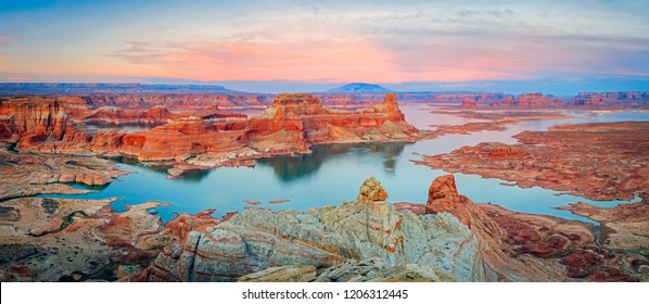 Sunset panorama at Lake Powell, Utah, USA.