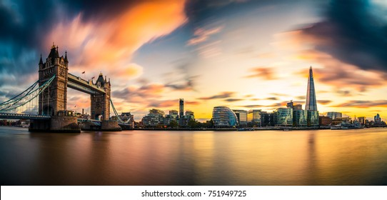Sunset panorama with Tower Bridge and blurry sky