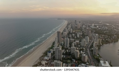 sunset at the Q1 building in surfers paradise