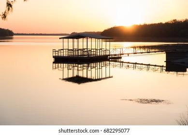 Sunset reflections at the lake // Springfield, Missouri
