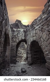 the sunset of the ruined great wall