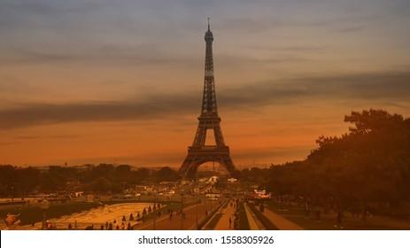 Sunset scene in the Autumn season of Eiffel tower, Paris. France