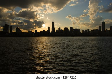 Sunset scene of Chicago, Illinois.