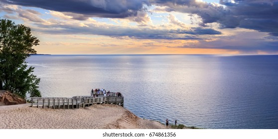 Sunset skies and a wide seascape expanse, The Lake Michigan Overlook at the Sleeping Bear Dunes National Lakeshore, Lower Peninsula, Michigan, USA