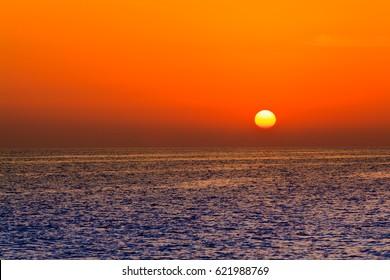 Sunset Sky. sea sunset. beautiful sunset