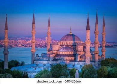 Sunset in Sultanahmet mosque