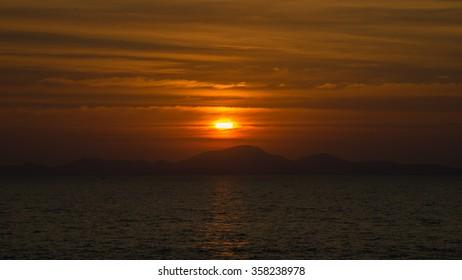 sunset or sunrise sky on sea at pattya beach twilight landscape