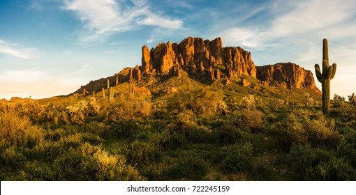 Sunset at Superstition Mountain at Lost Dutchman State Park, AZ, USA