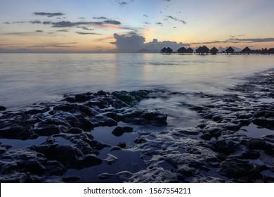Sunset time in Puna'auia beach