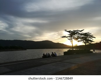 A sunset view at the lake, a perfect time and place to sit with a group of friends and watch a nice sun going down while chatting and having a great time. Running lane and relax area for everyone