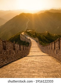 A sunset view of the spectacular Great Wall of China
