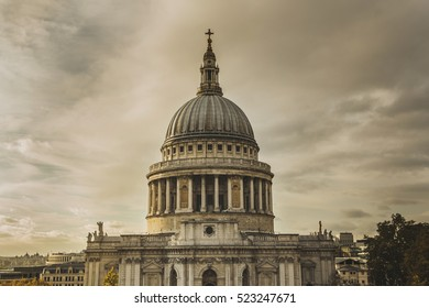 Sunset view of St. Paul Cathedral in London, UK