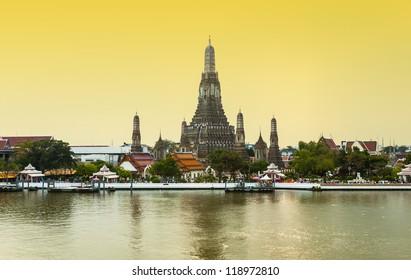 Sunset view of Wat Arun during in Bangkok, Thailand