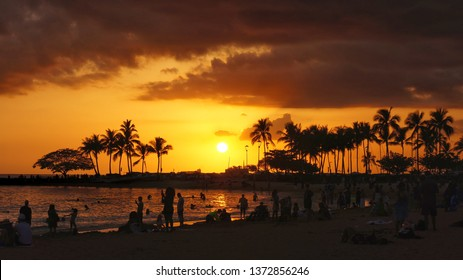 Sunset at Waikiki Beach in Oahu, Hawaii